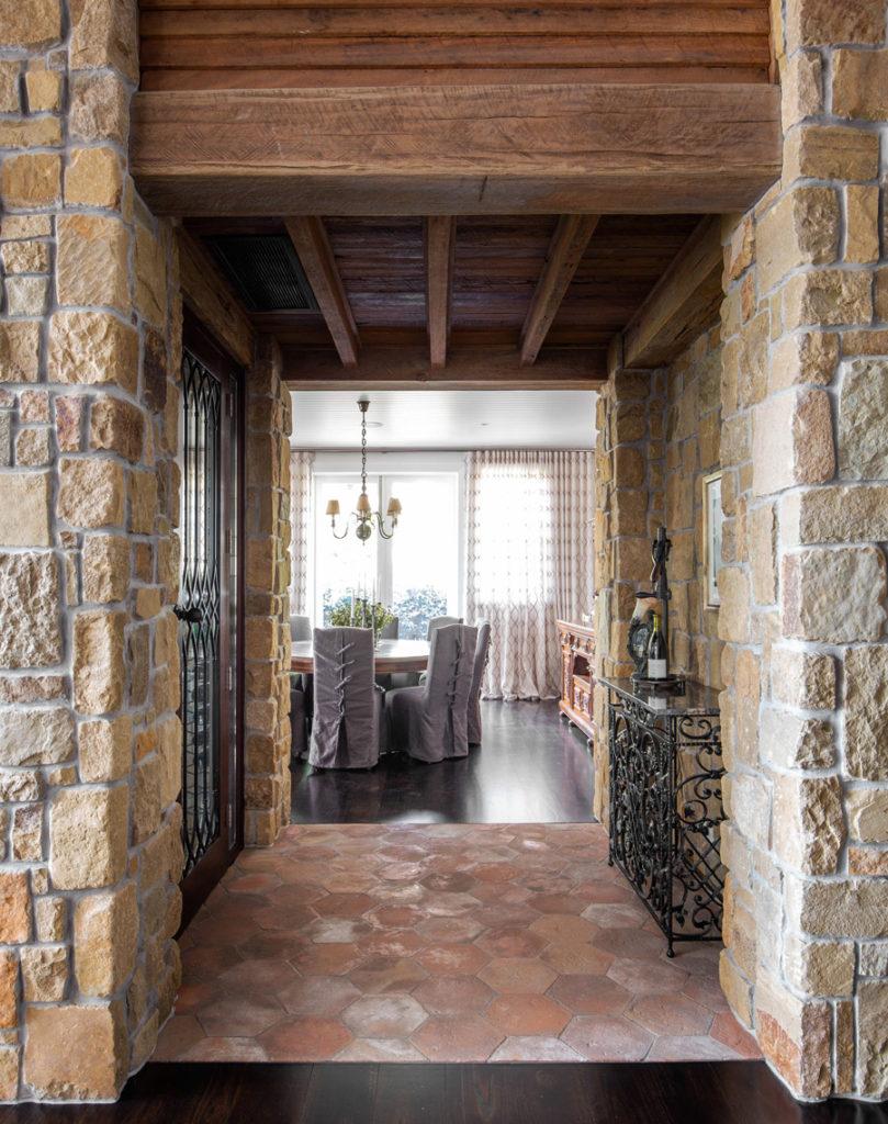 Vanessa Wood Interiors Ranch Hallway