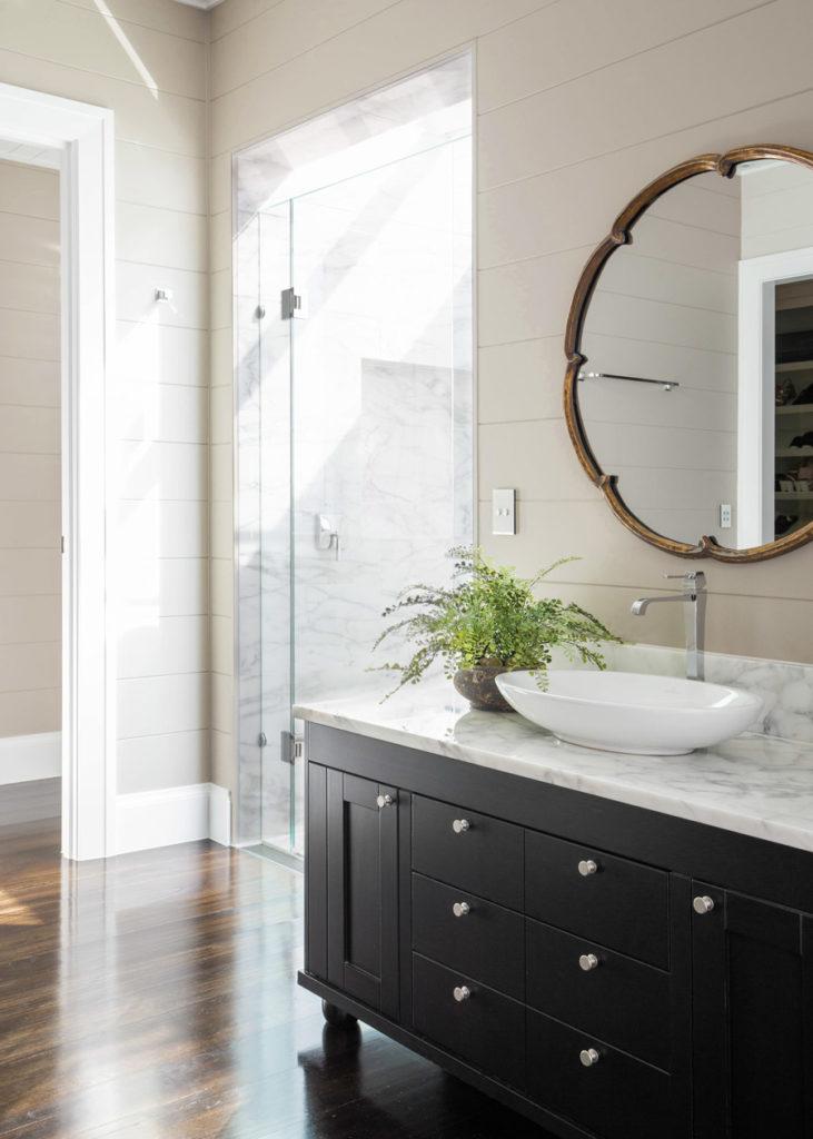 Vanessa Wood Interiors Ranch Bathroom
